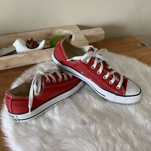 New- Converse low top sneakers